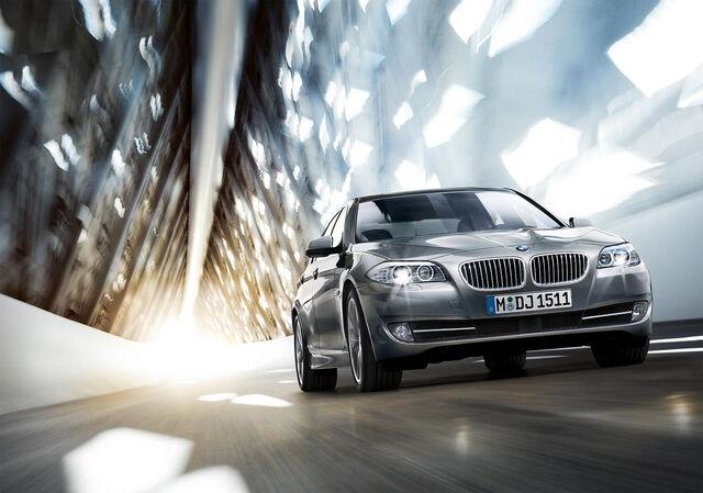 File:2011 BMW 5-Series Gallery 1259007133468.jpg