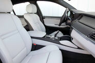 2010-BMW-X6M-31