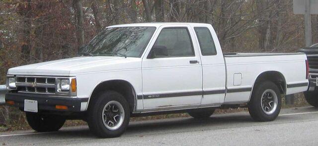 File:Chevrolet S-10 extended cab.jpg