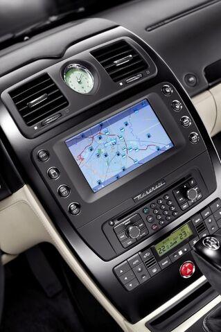 File:Maserati-Quattroporte-Awards-Edition-6.jpg