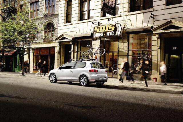 File:2010-VW-Golf-TDI-2.jpg