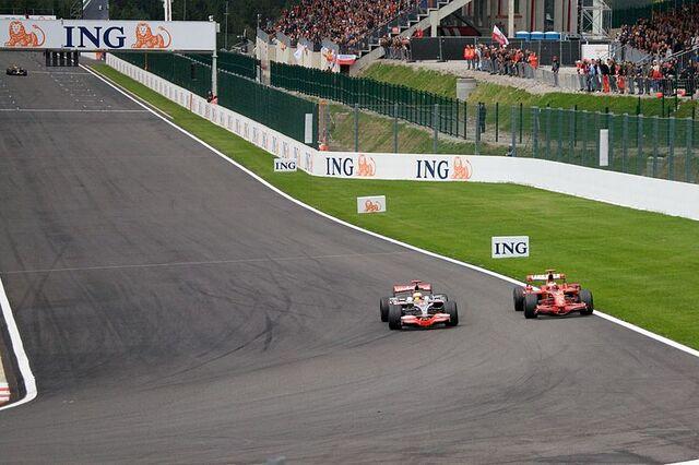 File:Hamilton + Raikkonen 2008 Belgium 2.jpg