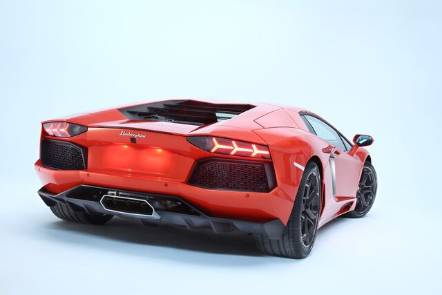File:Lamborghini-aventador-lp700-4---08.jpg