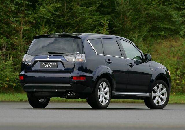 File:2010-Mitsubishi-Outlander-6.JPG
