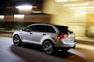 2011-Lincoln-MKX-39