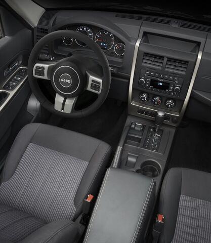 File:2011-Jeep-Liberty-6.jpg