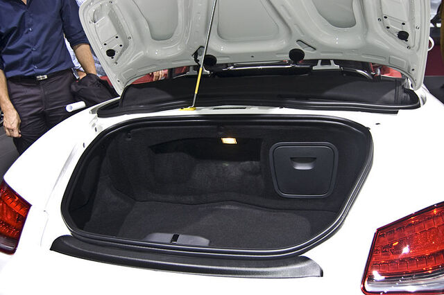File:2010 Porsche Boxster Spyder (5217139071).jpg