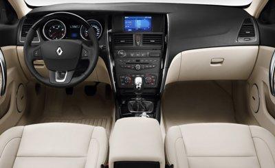 Renault-Latitude-1small