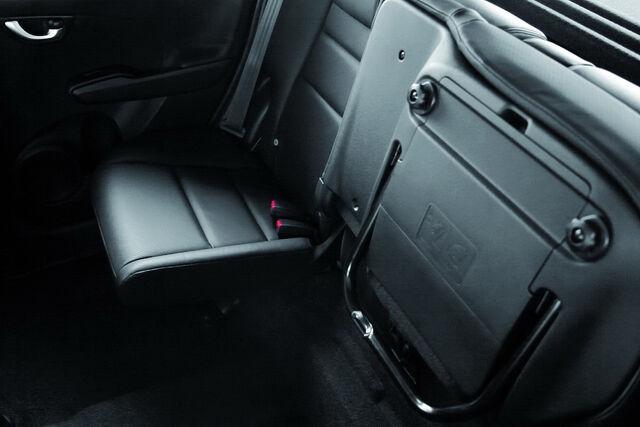 File:2011-Honda-Jazz-Hybrid-4.jpg