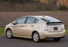 2010-Toyota-Prius-2small