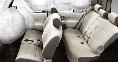 2010-Nissan-Cube-34