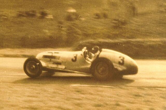 File:Daimle-Benz AG, 1937.JPG