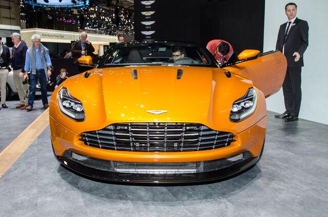 File:2017-Aston-Martin-DB11-front-end.jpg