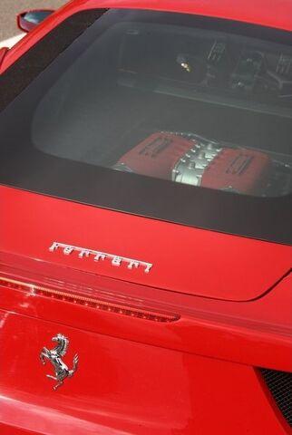 File:Ferrari-458 Italia 2011 1600x1200 wallpaper f9.jpg