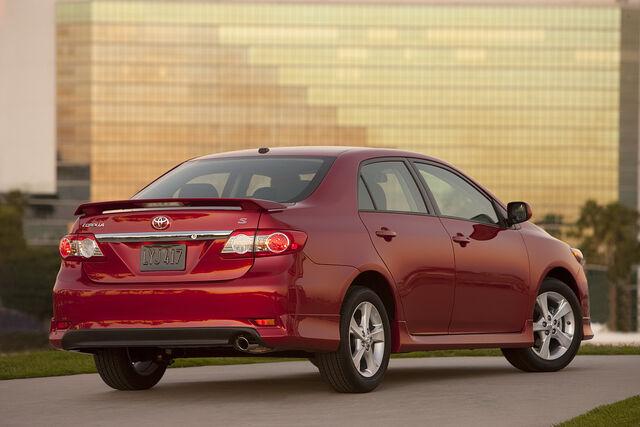 File:2011-Toyota-Corolla-21.jpg