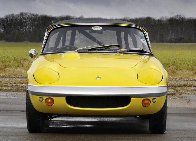 File:Lotus-elan 1962 2.jpg