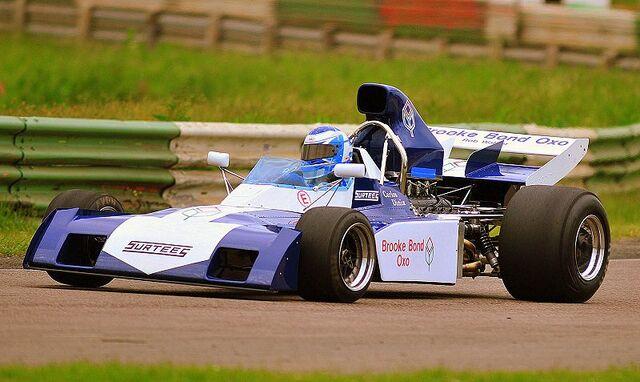 File:Surtees TS9B Rob Walker Mallory Park.JPG