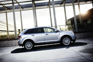 2011-Lincoln-MKX-42