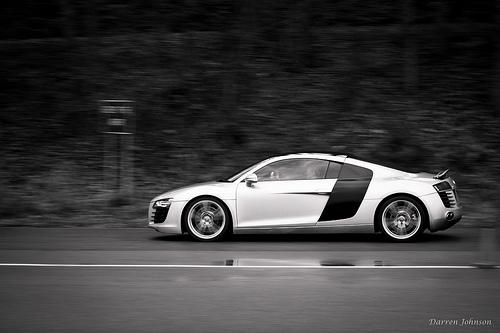 File:Audi R8 at Speed.jpg