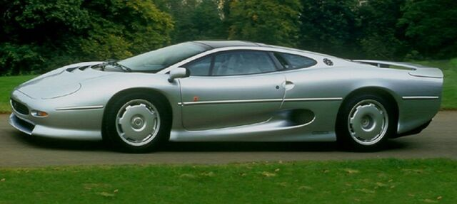 File:Jaguar xj220.jpg