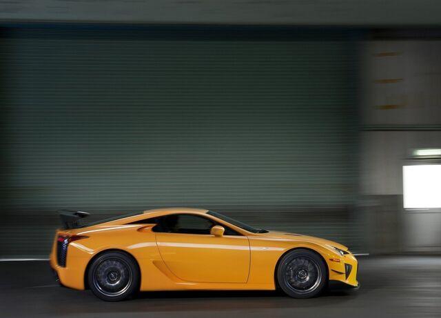 File:Lexus-lfa nurburgring package 2012 06.jpg