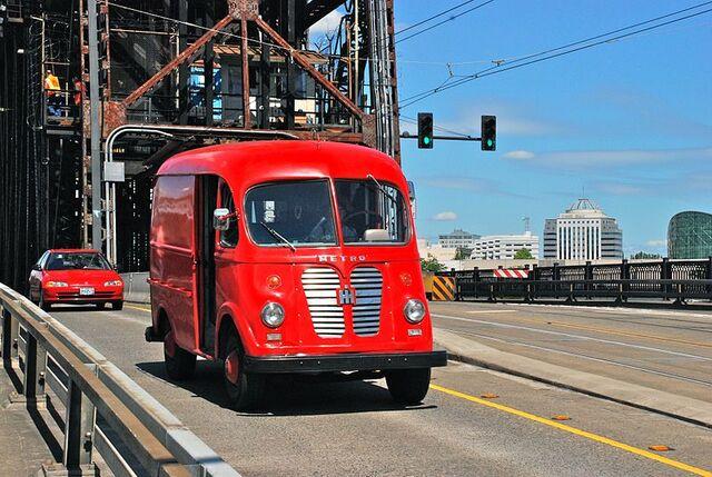 File:Preserved International Harvester Metro Van in Portland in 2012.jpg