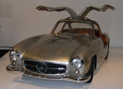 800px-1955 Mercedes-Benz 300SL Gullwing Coupe 34