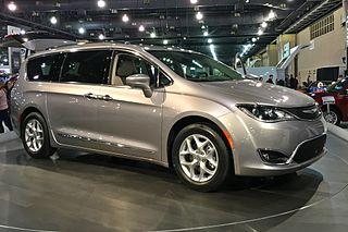 Chrysler-Pacifica-Van
