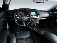 2010-Nissan-Maxima 10