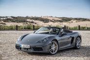2017-Porsche-718-Boxster-front-three-quarter-2