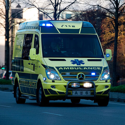 File:DNK ambulance A6.jpg