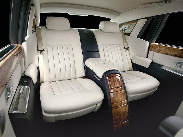 File:Rolls-Royce-Phantom-Rear-Seats.jpg