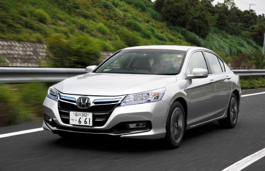 File:2014-honda-accord-hybrid-front-three-quarters-in-motion.jpg