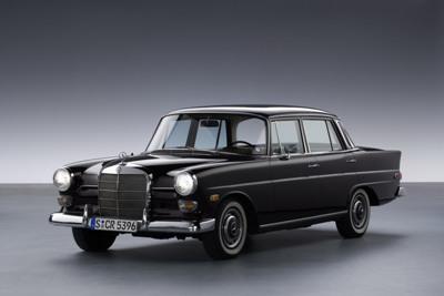 Mercedesbenz2bw1102bseryq5small