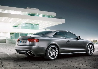 2011-Audi-RS5-Coupe-10small