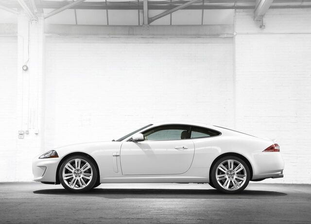 File:2010 Jaguar XKR 3.jpg