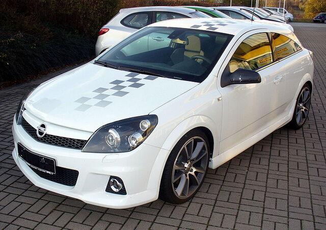 File:Opel Astra H OPC Nürburgring Edition.JPG
