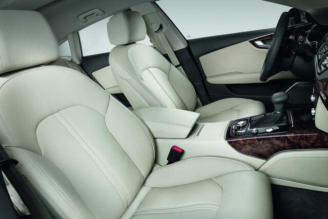 File:Audi-A7-Sportback-50.jpg