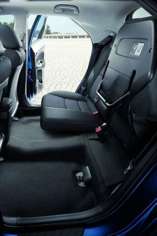 File:2011-Honda-Civic-5d-184.JPG