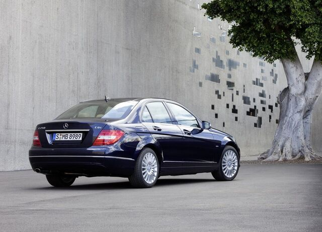 File:Mercedes-Benz-C-Class 2012 1280x960 wallpaper 0d.jpg