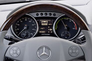 Mercedes-Benz-ML450-Hybrid-7