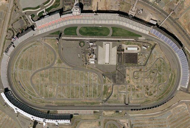File:Lowesmotorspeedway.jpg