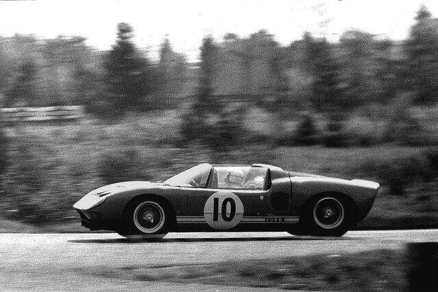 File:1965-05-23 18 Richard Attwood, Ford GT.jpg