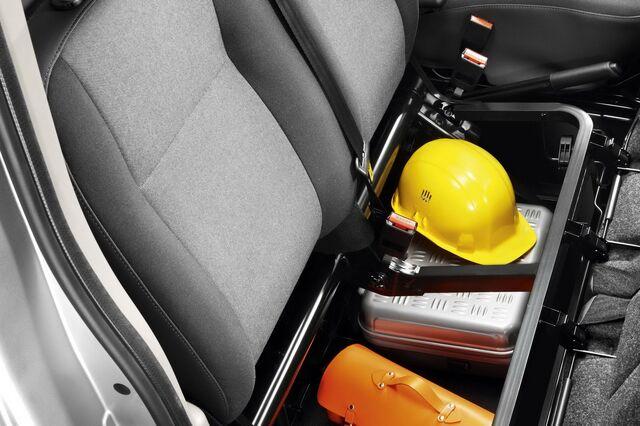 File:2011-Renault-Master-14.jpg