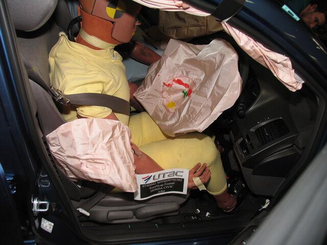 File:HONDA-Civic-Hybrid Driverreduced.jpg