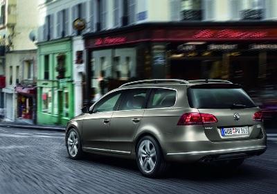 File:2011-VW-Passat-18amlAA.jpg