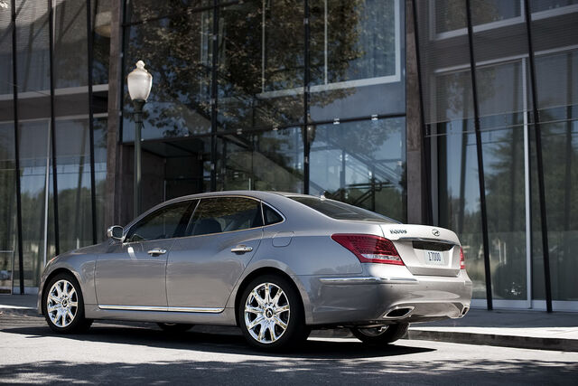 File:2011-Hyundai-Equus-44.JPG