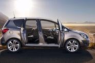 2011-Opel-Meriva-16