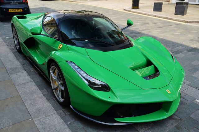 File:Green-Ferrari-LaFerrari-5.jpg