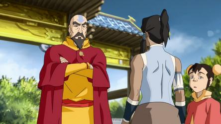 File:Tenzin chastising Korra.png